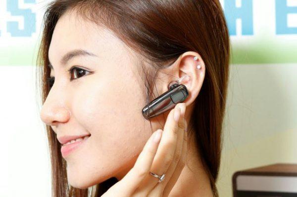 Cách đeo tai nghe Bluetooth như thế nào? Sử dụng tai nghe đúng cách